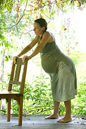 Vajúdás és szülés függőleges testhelyzetben
