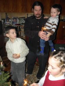 Karácsony este - Kriszti férje a gyerekekkel