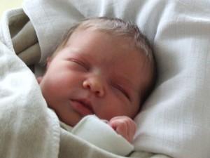 Maja baba császármetszés után hüvelyi úton született