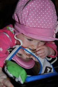 Léna baba háborítatlan körülmények között született