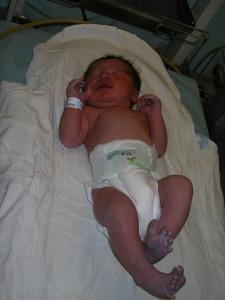 Szabi baba császármetszéssel született