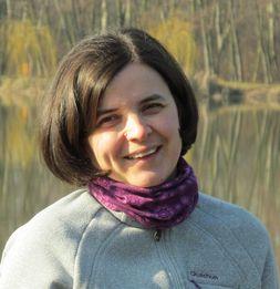 Szőke Sarolta dúla, császármetszésről könyvet és honlapot ír